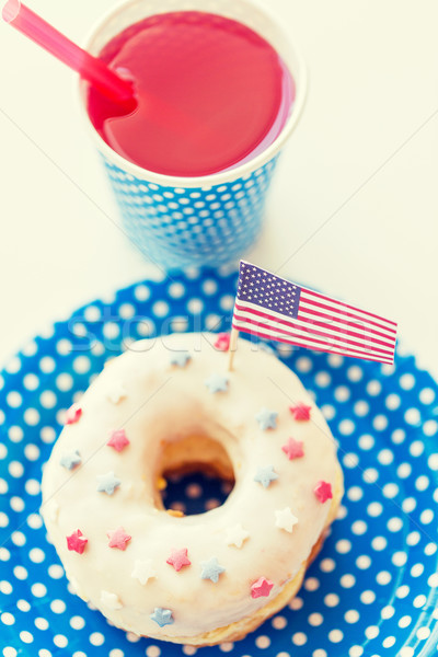 Tatlı çörek meyve suyu amerikan bayrağı dekorasyon amerikan gün Stok fotoğraf © dolgachov
