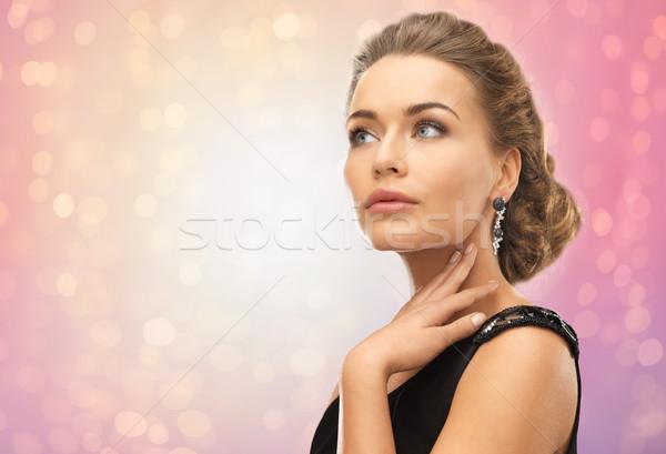 Piękna kobieta diament kolczyki piękna biżuteria wakacje Zdjęcia stock © dolgachov