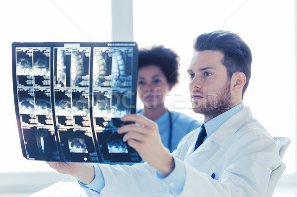 врач медсестры глядя Xray больницу радиология Сток-фото © dolgachov