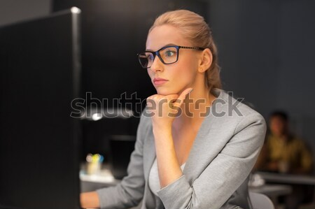 üzletasszony számítógép dolgozik éjszaka iroda üzlet Stock fotó © dolgachov
