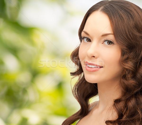 Gyönyörű fiatal nő zöld emberek szépség lány Stock fotó © dolgachov