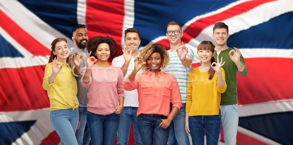 Internationale mensen tonen diversiteit Stockfoto © dolgachov
