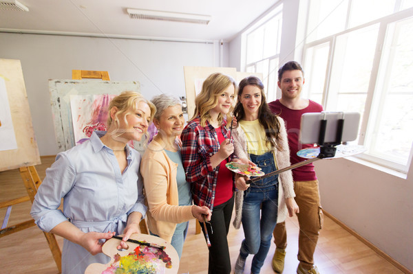 Csoport elvesz művészet iskola kreativitás oktatás Stock fotó © dolgachov