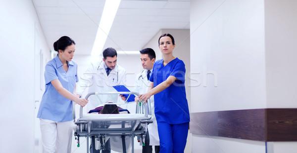 Vrouw ziekenhuis nood beroep mensen gezondheidszorg Stockfoto © dolgachov