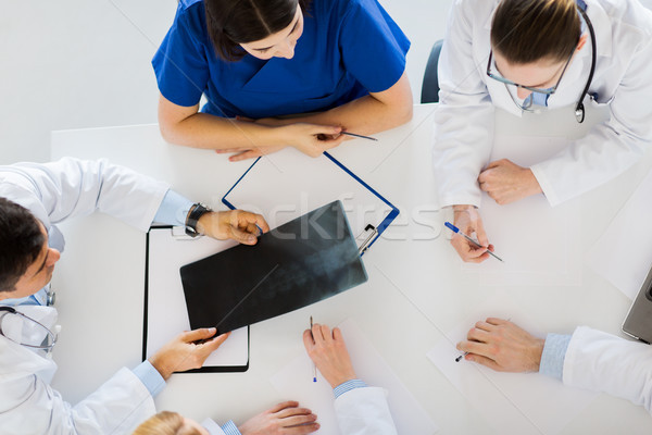 Doktorlar omurga xray tıp sağlık cerrahi Stok fotoğraf © dolgachov