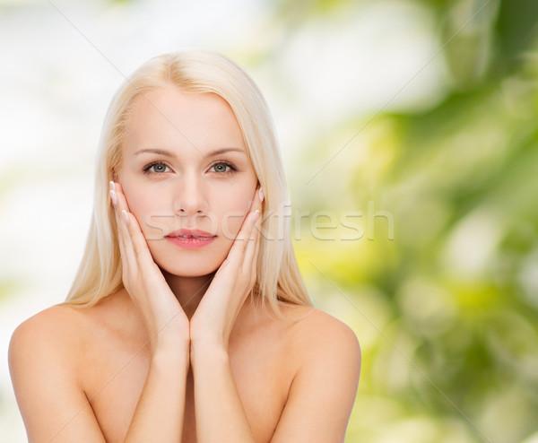 Arc gyönyörű nő megérint bőr szépség nő Stock fotó © dolgachov