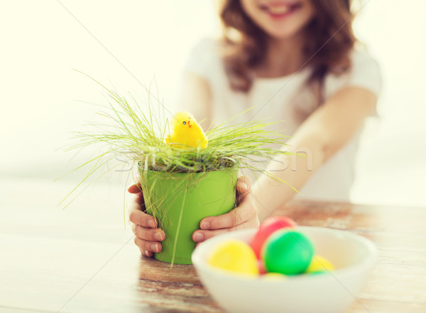 Meisje pot groen gras Pasen Stockfoto © dolgachov