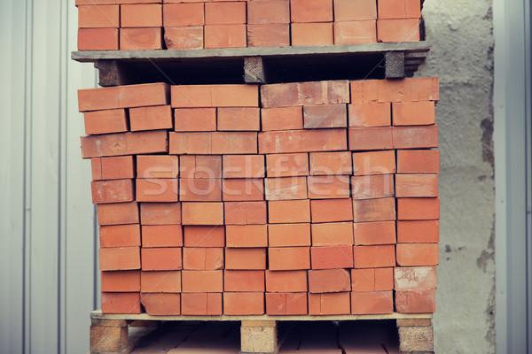 Bruin bakstenen houten opslag dienblad Stockfoto © dolgachov