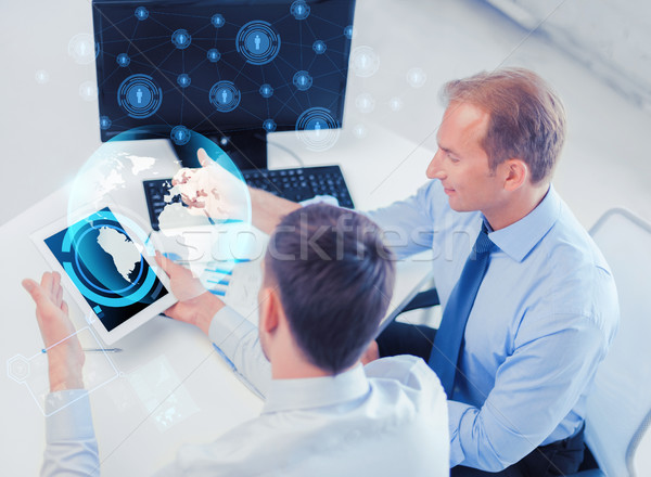 Сток-фото: бизнесменов · компьютер · служба · бизнеса · технологий