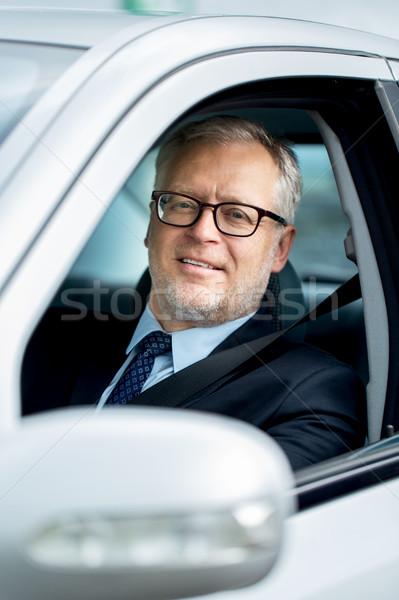 Mutlu kıdemli işadamı sürücü araba taşıma Stok fotoğraf © dolgachov