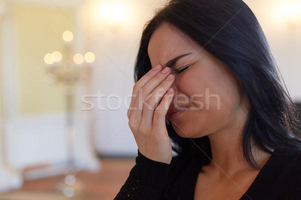 不幸 泣い 女性 葬儀 教会 ストックフォト © dolgachov