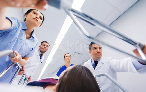 Frau Krankenhaus Notfall Beruf Menschen Gesundheitspflege Stock foto © dolgachov