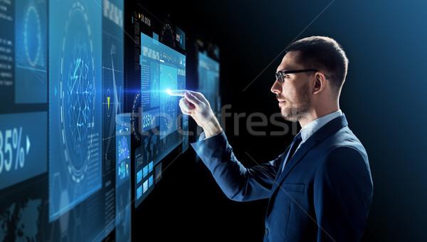 ビジネスマン 眼鏡 バーチャル 投影 ビジネスの方々  現実 ストックフォト © dolgachov