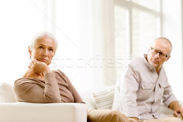 Сток-фото: сидят · диван · домой · семьи · отношения