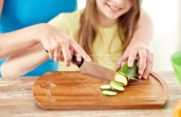 Stockfoto: Gelukkig · gezin · diner · keuken · voedsel