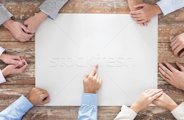 ビジネスチーム 紙 表 ビジネスの方々  チームワーク ストックフォト © dolgachov