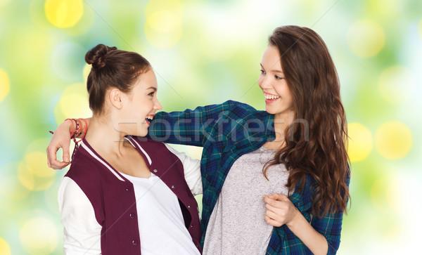 Gelukkig glimlachend mooie tienermeisjes mensen Stockfoto © dolgachov