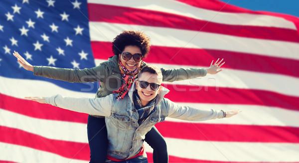 Сток-фото: счастливым · пару · американский · флаг · международных · дружбы · свободу