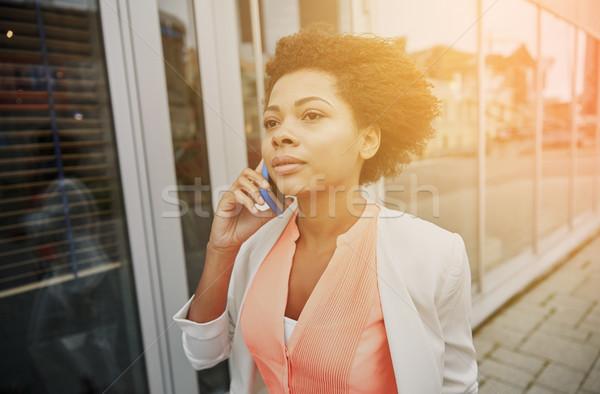 Stockfoto: Afrikaanse · zakenvrouw · roepen · smartphone · business · communicatie