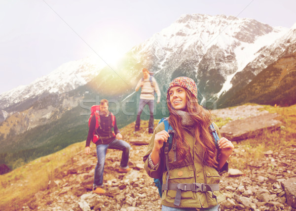 Foto d'archivio: Gruppo · sorridere · amici · escursioni · avventura · viaggio