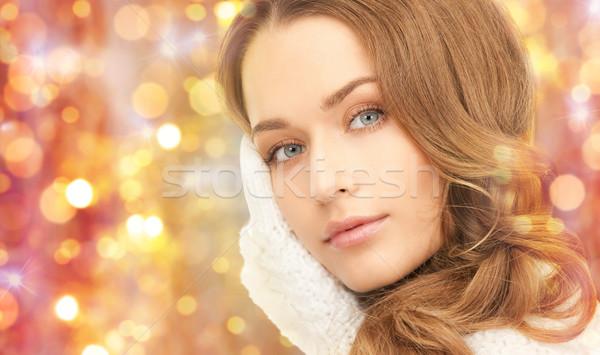 Güzel bir kadın eldiveni kış tatil Noel Stok fotoğraf © dolgachov