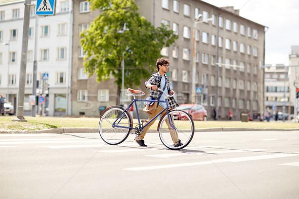 Сток-фото: молодым · человеком · зафиксировано · Gear · велосипед · люди