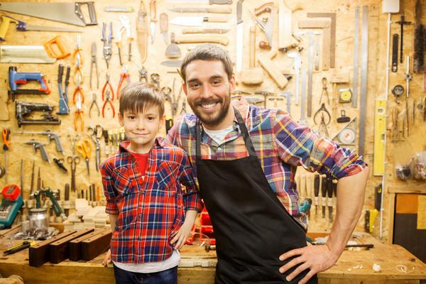Gelukkig vader weinig zoon workshop familie Stockfoto © dolgachov