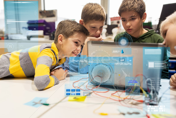 Enfants portable invention robotique école Photo stock © dolgachov