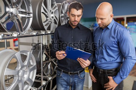 Kunden Verkäufer Auto Service auto Laden Stock foto © dolgachov