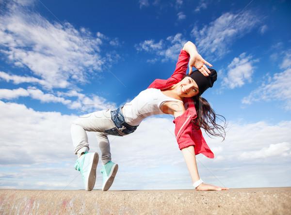Mooie dansen meisje verkeer sport stedelijke Stockfoto © dolgachov