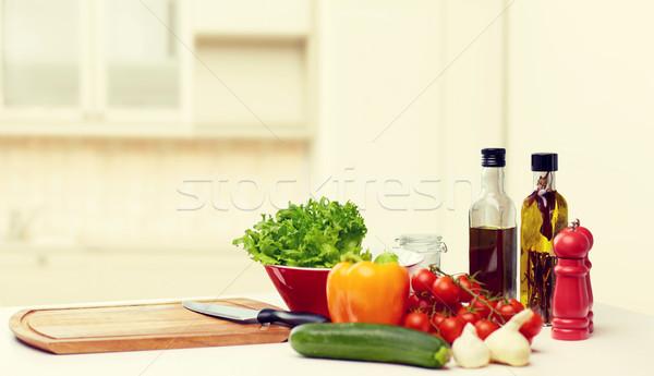 Sebze baharatlar mutfak gereçleri tablo pişirme natürmort Stok fotoğraf © dolgachov