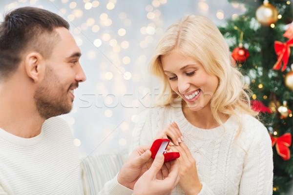 Homme femme bague de fiançailles Noël amour couple Photo stock © dolgachov