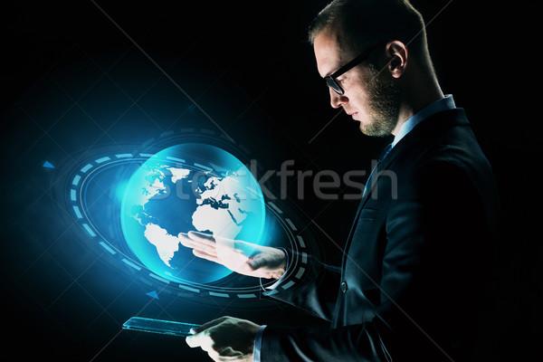 Сток-фото: бизнесмен · земле · голограмма · деловые · люди · сеть