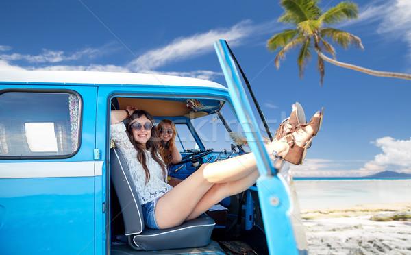 Feliz hippie mujeres coche verano Foto stock © dolgachov