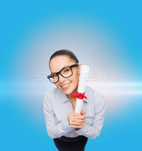 Sonriendo mujer de negocios diploma negocios oficina Foto stock © dolgachov