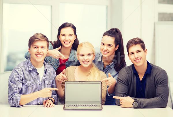 Mosolyog diákok mutat képernyő oktatás technológia Stock fotó © dolgachov