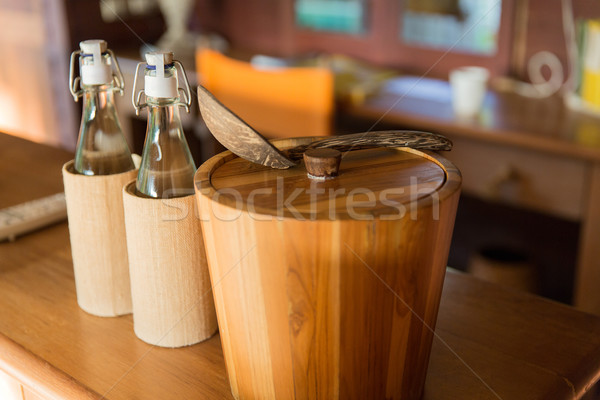 Utensili da cucina tavola articoli per la tavola Coppia bottiglie Foto d'archivio © dolgachov