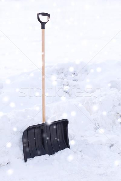 Schwarz Holz Griff Schnee Winter Stock foto © dolgachov