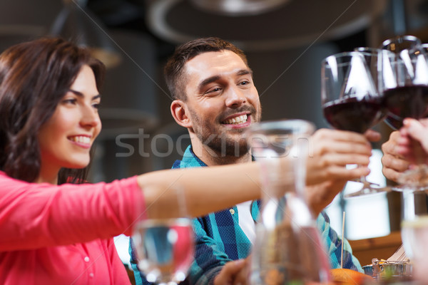Stock fotó: Barátok · szemüveg · bor · étterem · szabadidő · ünneplés