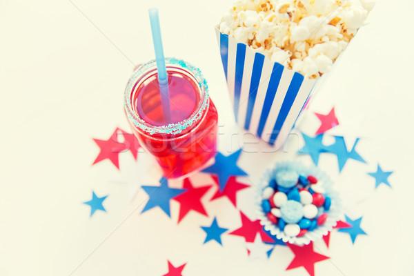 Ital pattogatott kukorica cukorkák nap amerikai ünneplés Stock fotó © dolgachov