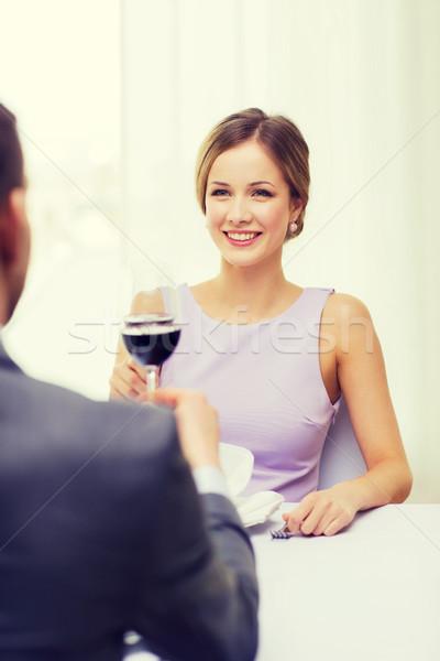Genç kadın bakıyor erkek arkadaş koca restoran çift Stok fotoğraf © dolgachov