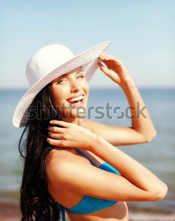 Stockfoto: Jonge · vrouw · smartphone · reizen · zomer · technologie