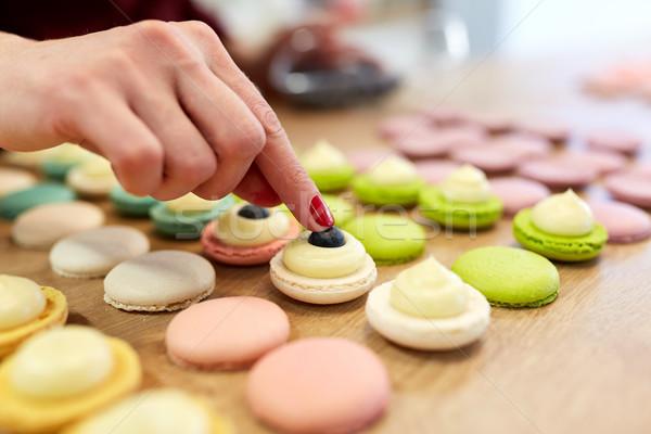 şef macarons kabukları pasta alışveriş pişirme Stok fotoğraf © dolgachov