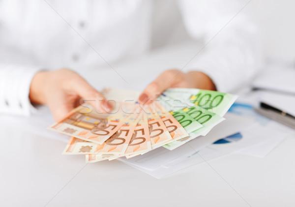Foto stock: Mujer · manos · euros · efectivo · dinero · negocios