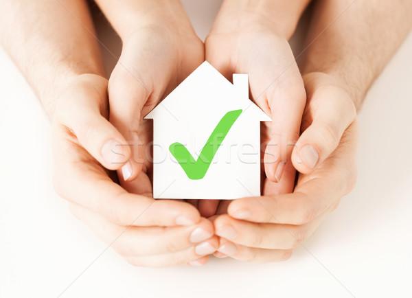 Handen huis controleren onroerend Stockfoto © dolgachov