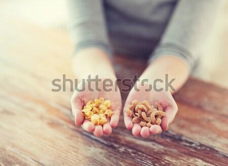 женщины рук различный пасты приготовления продовольствие Сток-фото © dolgachov