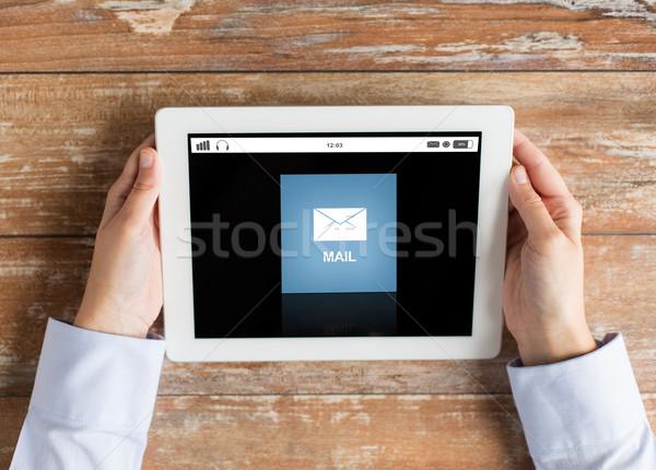 Mâini e-mail mesaj afaceri Imagine de stoc © dolgachov