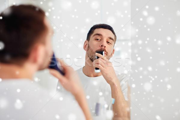 Férfi bajusz körülvágó fürdőszoba szépség emberek Stock fotó © dolgachov