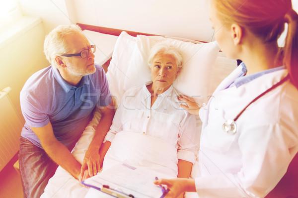 Stock fotó: Idős · nő · orvos · vágólap · kórház · gyógyszer