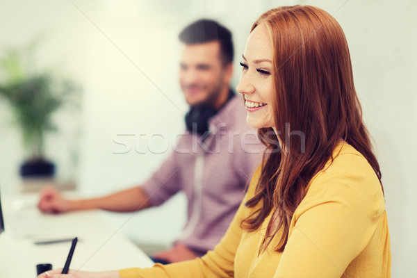 Boldog kreatív csapat diákok dolgozik iroda Stock fotó © dolgachov